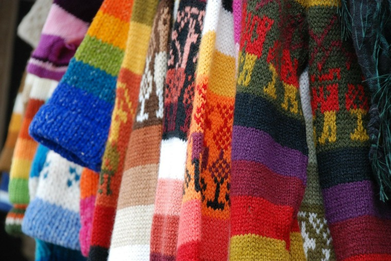 sweaters-279563_1920