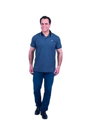 camisa-polo-masculina-manga-curta-azul-corpo-inteiro