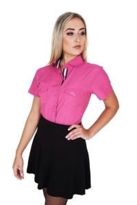 camisa-feminina-manga-curta-rosa-frente-cintura-lado