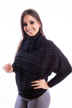 blusa-feminina-gola-boba-preta-frente