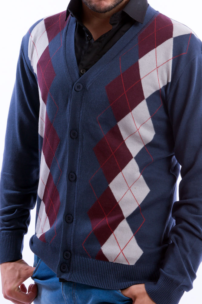 cardigan-masculino-com-geometricos-azul-detalhe