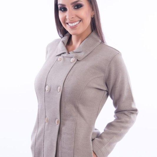 casaco-feminino-com-botoes-bege-frente